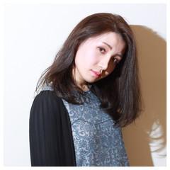 イルミナカラー アッシュ ロング ナチュラル ヘアスタイルや髪型の写真・画像