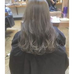 ナチュラル グレージュ ロング ニュアンス ヘアスタイルや髪型の写真・画像