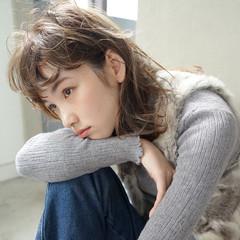 パーマ ハイライト アンニュイ ミディアム ヘアスタイルや髪型の写真・画像