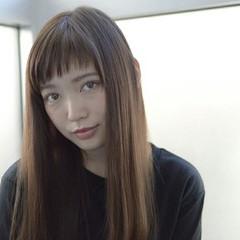 セミロング ベビーバング ナチュラル フェミニン ヘアスタイルや髪型の写真・画像