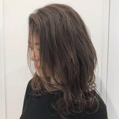 抜け感 ハイライト 外国人風カラー ナチュラル ヘアスタイルや髪型の写真・画像