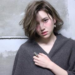 外国人風 ストレート ストリート ゆるふわ ヘアスタイルや髪型の写真・画像