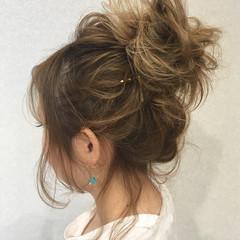 ナチュラル ヘアアレンジ セミロング アウトドア ヘアスタイルや髪型の写真・画像