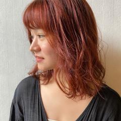 くせ毛風 ブラットオレンジ オレンジカラー ミディアム ヘアスタイルや髪型の写真・画像