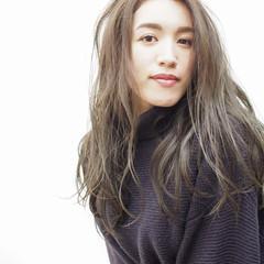 フェミニン 抜け感 アンニュイほつれヘア ブルージュ ヘアスタイルや髪型の写真・画像