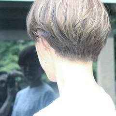 ツーブロック ベリーショート こなれ感 フェミニン ヘアスタイルや髪型の写真・画像