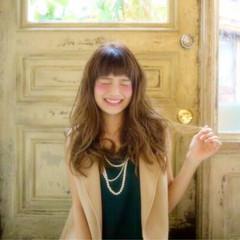 パーマ ヌーディベージュ 外国人風 ガーリー ヘアスタイルや髪型の写真・画像