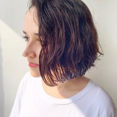 ばっさり アンニュイほつれヘア ナチュラル パーマ ヘアスタイルや髪型の写真・画像
