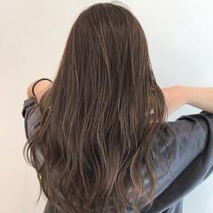ハイライト アッシュベージュ 極細ハイライト ナチュラル ヘアスタイルや髪型の写真・画像