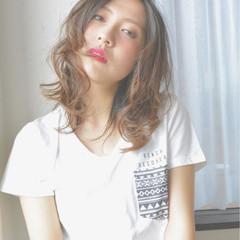グラデーションカラー 外国人風 暗髪 ミディアム ヘアスタイルや髪型の写真・画像