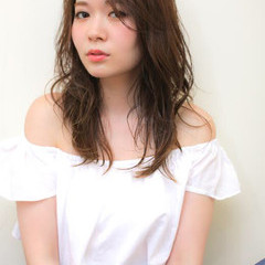 ピュア ミディアム アッシュ パーマ ヘアスタイルや髪型の写真・画像