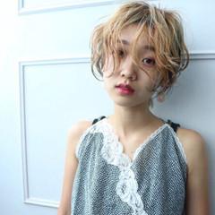 パーマ ゆるふわ 金髪 ショート ヘアスタイルや髪型の写真・画像