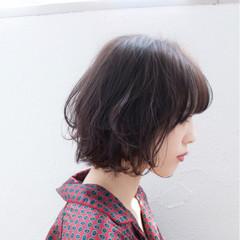 フリンジバング ボブ アッシュ ガーリー ヘアスタイルや髪型の写真・画像