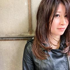 セミロング レイヤーロングヘア レイヤーカット レイヤーヘアー ヘアスタイルや髪型の写真・画像