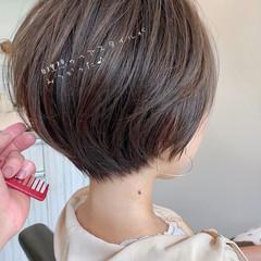 アンニュイほつれヘア ナチュラル ゆるふわ ショートヘア ヘアスタイルや髪型の写真・画像
