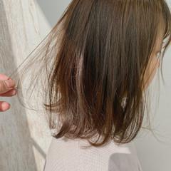 マット ボブ ナチュラル カーキ ヘアスタイルや髪型の写真・画像