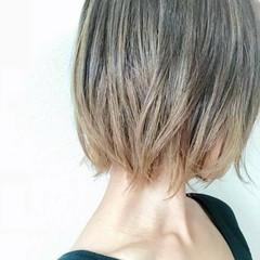 ボブ ブラントカット 透明感 モード ヘアスタイルや髪型の写真・画像