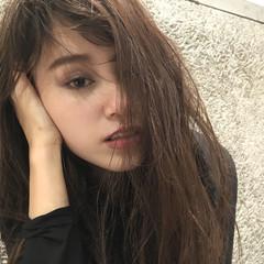 セミロング 暗髪 外国人風 ハイライト ヘアスタイルや髪型の写真・画像
