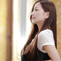 大人女子 縮毛矯正 ストレート ナチュラル ヘアスタイルや髪型の写真・画像