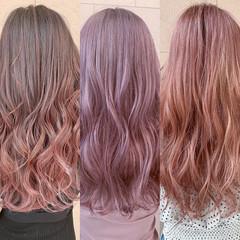 フェミニン デザインカラー ピンクカラー セミロング ヘアスタイルや髪型の写真・画像