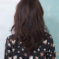 フェミニン デジタルパーマ 黒髪 ニュアンス ヘアスタイルや髪型の写真・画像