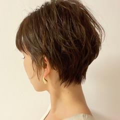 耳かけ 丸みショート ショート ショート女子 ヘアスタイルや髪型の写真・画像