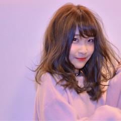 デート ベリーピンク ピンク セミロング ヘアスタイルや髪型の写真・画像