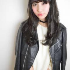 ストリート 暗髪 ウェットヘア パーマ ヘアスタイルや髪型の写真・画像