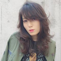 セミロング ストリート 大人かわいい アンニュイ ヘアスタイルや髪型の写真・画像