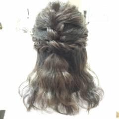 ナチュラル ヘアアレンジ 波ウェーブ パーティ ヘアスタイルや髪型の写真・画像