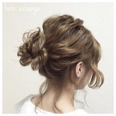 お団子 ヘアアレンジ 波ウェーブ ミディアム ヘアスタイルや髪型の写真・画像