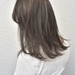 ベージュ 外国人風カラー ハイライト アッシュベージュ ヘアスタイルや髪型の写真・画像