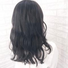 ミディアム デート グレージュ 暗髪 ヘアスタイルや髪型の写真・画像