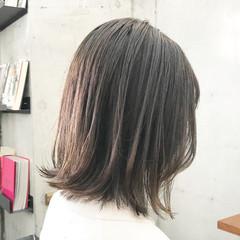 レイヤースタイル レイヤーカット ナチュラル ミディアムレイヤー ヘアスタイルや髪型の写真・画像