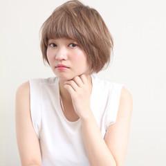 簡単ヘアアレンジ ナチュラル ショート パーマ ヘアスタイルや髪型の写真・画像