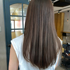 マットグレージュ ロング 透明感カラー ナチュラル ヘアスタイルや髪型の写真・画像