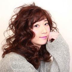 フェミニン セミロング 小顔 ヘアアレンジ ヘアスタイルや髪型の写真・画像