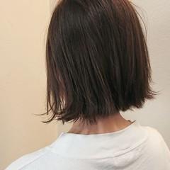 アッシュグレージュ ボブ ストリート ショート ヘアスタイルや髪型の写真・画像