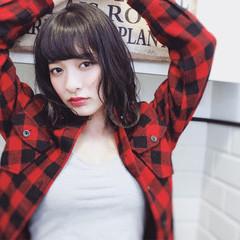 黒髪 外国人風 ストリート フリンジバング ヘアスタイルや髪型の写真・画像