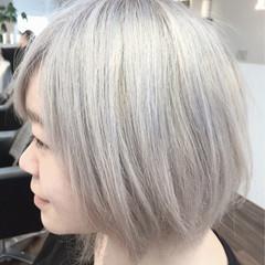 ホワイトアッシュ ガーリー ホワイト ボブ ヘアスタイルや髪型の写真・画像