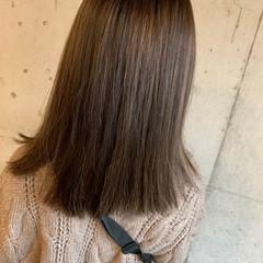 極細ハイライト ハイライト セミロング ナチュラル ヘアスタイルや髪型の写真・画像