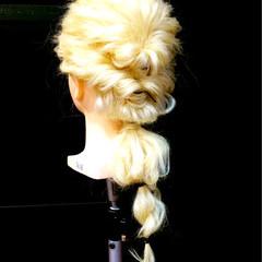 ヘアアレンジ 結婚式 波ウェーブ ハーフアップ ヘアスタイルや髪型の写真・画像