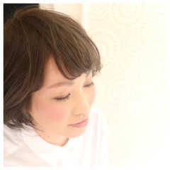 ミルクティー ナチュラル アッシュ ニュアンス ヘアスタイルや髪型の写真・画像