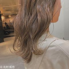 シアーベージュ ミルクティーベージュ ミルクティーグレージュ ナチュラル ヘアスタイルや髪型の写真・画像