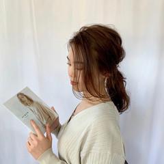 簡単スタイリング ローポニー ナチュラル ポニーテールアレンジ ヘアスタイルや髪型の写真・画像