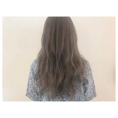 アンニュイ ロング ウェーブ ガーリー ヘアスタイルや髪型の写真・画像