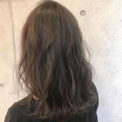 ナチュラル オフィス 大人かわいい イルミナカラー ヘアスタイルや髪型の写真・画像