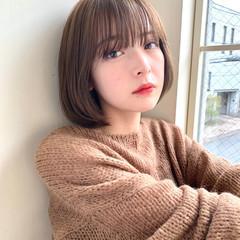 ミルクティーベージュ ミニボブ ナチュラルブラウンカラー ショートボブ ヘアスタイルや髪型の写真・画像