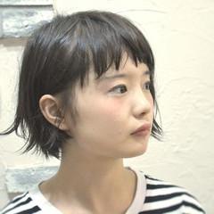 パーマ ナチュラル レザーカット 耳かけ ヘアスタイルや髪型の写真・画像