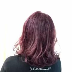 ラベンダーピンク ベリーピンク ナチュラル ミディアム ヘアスタイルや髪型の写真・画像